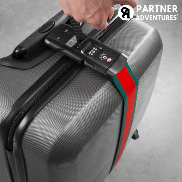 images/3partner-adventures-luggage-strap-with-integrated-weighing-scale-and-security-code.jpg